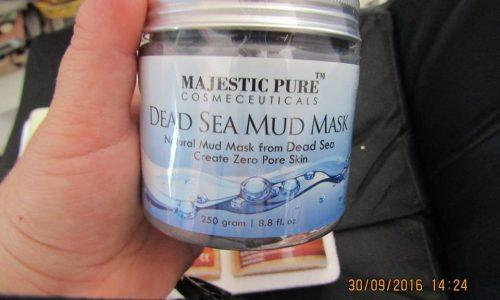 maschera viso ai fanghi del mar morto