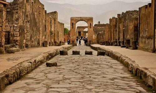 Scavi archeologici di Pompei dove tutto è sospeso nel tempo
