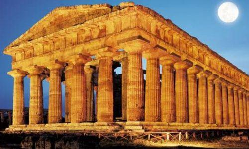 Templi di Paestum, una camminata tra le rovine in una giornata di primavera